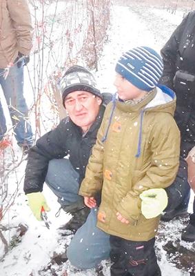 Мастер-класс по винограду для хабаровской группы ведет Сергей Макаревич